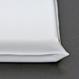 Matelas à langer 69 x 49 cm. Mousse 3 cm. Enveloppe PVC facilement nettoyable.